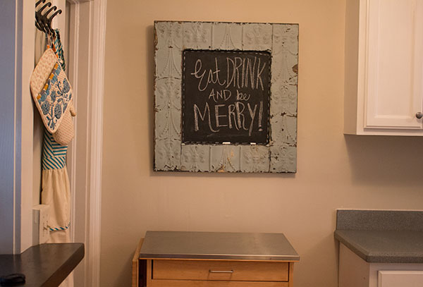 Here's the final product - looks lovely in my kitchen!