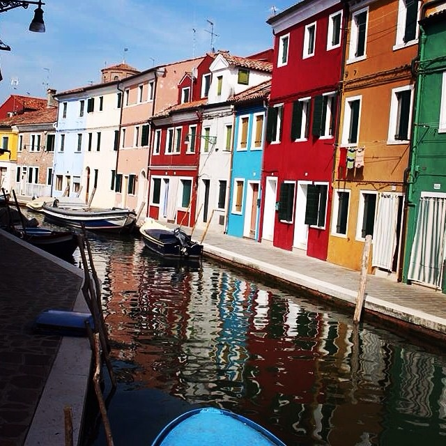 burano-italy-things-to-do-bright-buildings